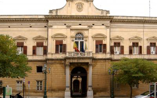 https://www.seguonews.it/open-weekend-vaccini-astrazeneca-e-riapertura-scuole-oggi-a-caltanissetta-vertice-in-prefettura-