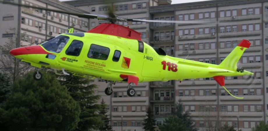 Si spara alla testa, 44enne trasportato in elisoccorso all'ospedale Sant'Elia: muore poco dopo