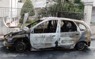 http://www.seguonews.it/furgone-e-auto-in-fiamme-a-gela-e-niscemi