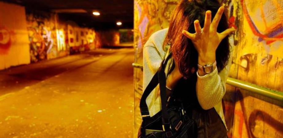 Stalking: assieme al fratello perseguita l'ex, arrestati nell'Ennese