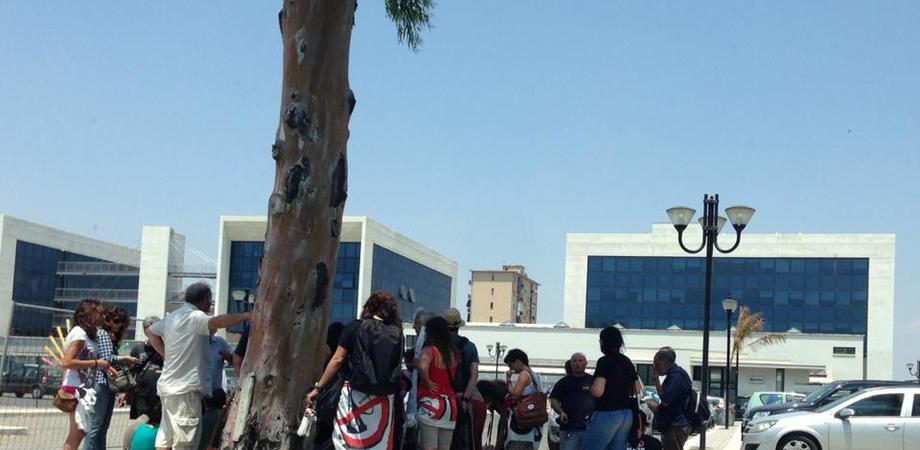 Gela, gruppo di No Muos digiuna per solidarietà al pacifista Vaccaro in cella