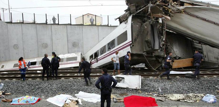 E' il messinese Dario Lombardo, di 25 anni, la vittima del treno deragliato in Spagna