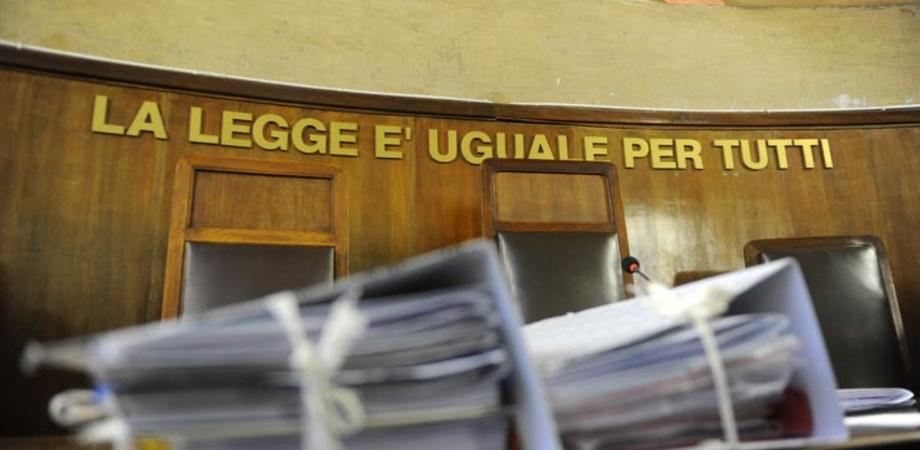 Caltanissetta, furto di energia elettrica: imputata condannata a sei mesi di reclusione