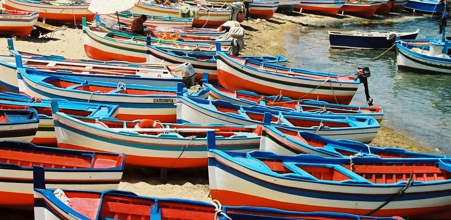 """Letojanni, rubano barche: due giovani """"pescati"""" dai carabinieri"""