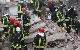 http://www.seguonews.it/paura-a-favara-crolla-palazzina-a-tre-piani-nessuna-vittima-fra-le-macerie
