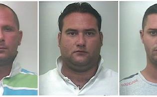 http://www.seguonews.it/ucciso-per-uno-sgarro-nel-giro-di-droga-tre-arresti-a-palermo-per-il-delitto-zito