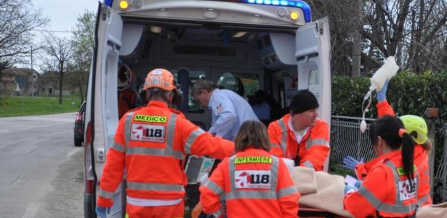 Scontro camion-suv sulla Ss 122: grave operaio di San Cataldo