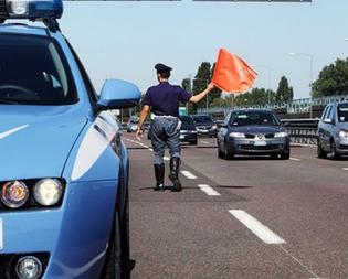 Grave incidente sulla Palermo-Catania: due morti e tre feriti, traffico chiuso all'altezza di Catenanuova
