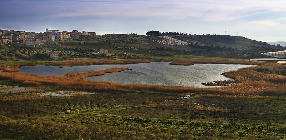 """Lago Soprano di Serradifalco, Legambiente denuncia: """"Dopo un anno ancora degrado ambientale"""""""