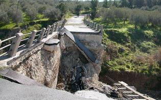 http://www.seguonews.it/il-ponte-crollato-a-misteci-a-settembre-la-gara-dappalto-per-la-costruzione-pronto-progetto-per-70mila-euro