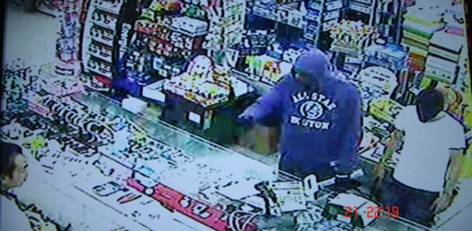 Commerciante cinese picchiato e derubato nel Nisseno. Bottino: 70 euro