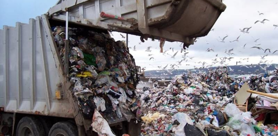 Gela, gestione dei rifiuti: pronto un maxi appalto da 11 milioni di euro