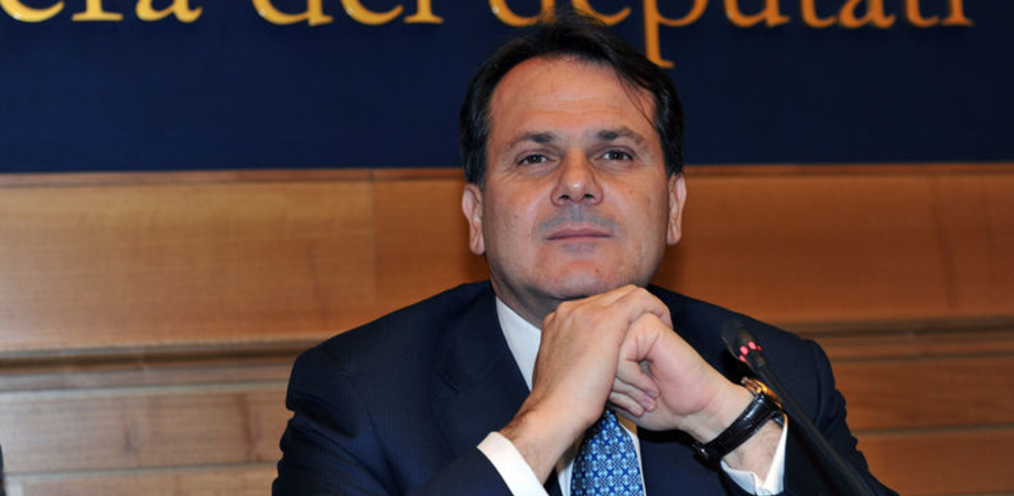 """""""Democrazia apparente"""", lunedì Saverio Romano presenta il suo libro"""