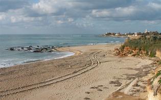 http://www.seguonews.it/arrestato-sordomuto-per-tentato-stupro-di-una-ventenne-sulla-spiaggia-di-gela