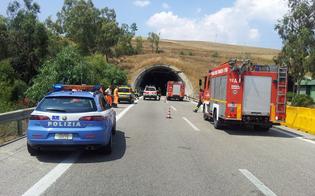 http://www.seguonews.it/caltanissetta-scoppia-incendio-nella-galleria-fortolese-nessun-ferito-circolazione-in-tilt-sulla-palermo-catania