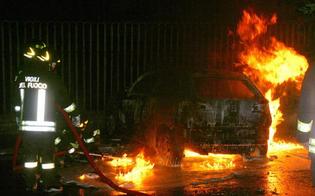 http://www.seguonews.it/gela-bis-di-auto-incendiate-in-poche-ore-giallo-sulla-matrice-dei-roghi