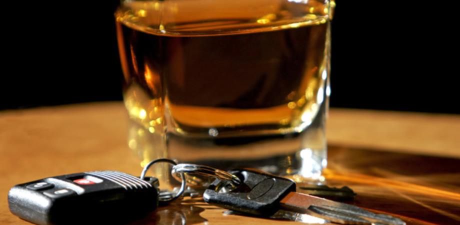 Ubriaco al volante, paura in via Turati. Nisseno denunciato dalla Polizia