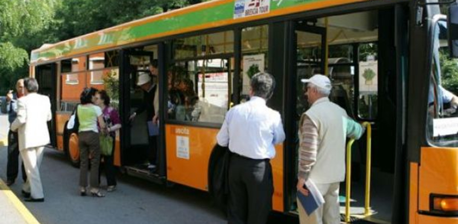 Scat, sbloccata paralisi. Il Comune anticipa 150 mila euro per l'assicurazione dei bus