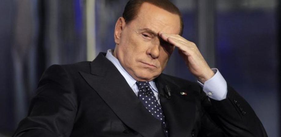Berlusconi in ospedale: ha un principio di polmonite. Positiva anche la sua nuova compagna
