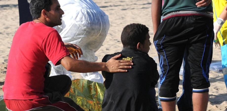 I profughi morti alla Playa, fermati due scafisti: sono adolescenti. Lutto cittadino a Catania