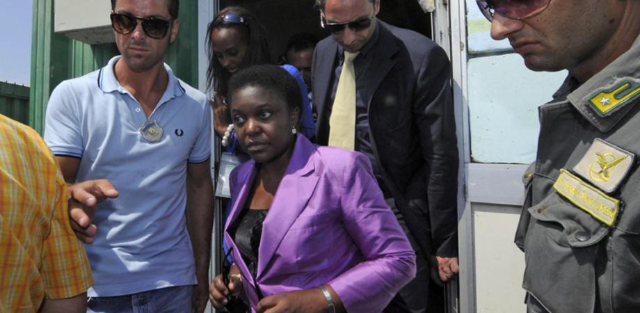"""Immigrazione, Kyenge: """"Sicilia terra accogliente. I Cie? Valuteremo l'utilità"""""""