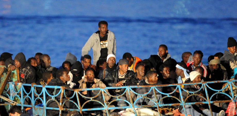Tre sbarchi nella notte in tutta la Sicilia: salvati oltre 500 profughi