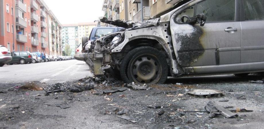 Niscemi, incendio distrugge auto di casalinga