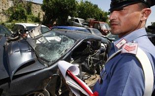http://www.seguonews.it/serradifalco-auto-sbanda-e-finisce-contro-muro-gravi-ferite-per-padre-e-figlio