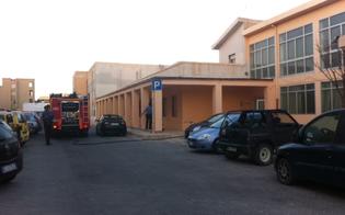 http://www.seguonews.it/lampedusa-vandali-incendiano-la-scuola-luigi-pirandello-si-tratta-dellennesimo-raid