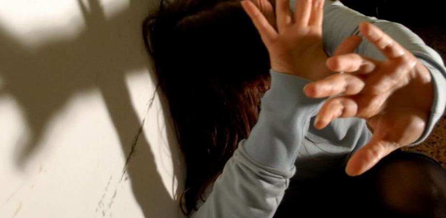 """""""Sei con l'amante"""", massacra di botte l'ex convivente: arrestato portantino nisseno"""