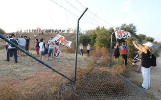 http://www.seguonews.it/quindici-attivisti-no-muos-denunciati-per-linvasione-nella-base-usa-di-niscemi