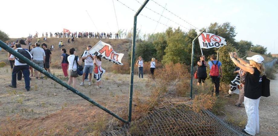 No Muos, irruzione attivisti nella base con pic-nic pacifico