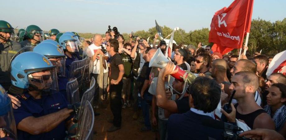 """No Muos, """"via"""" da Niscemi per 29 attivisti. La Questura: """"Restrizioni solo per i violenti"""""""