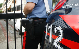 Santa Caterina, dipendente comunale sorpresa a rubare una banconota dall'ufficio: arrestata