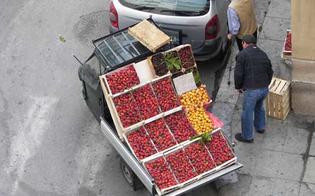 http://www.seguonews.it/smonta-la-bancarella-fruttivendolo-e-moglie-picchiano-capo-dei-vigili-urbani