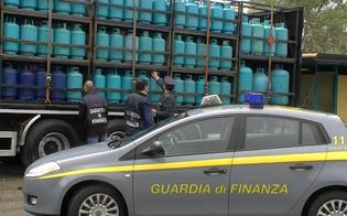 http://www.seguonews.it/deposito-abusivo-di-bombole-gpl-scoperto-dalla-gdf-di-caltanissetta-impresario-non-autorizzato-denunciato