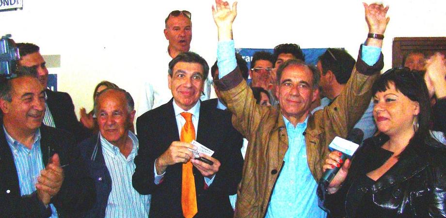 """San Cataldo, si dimette il sindaco Raimondi. """"Condizionato dai partiti per le poltrone, si fa male alla città"""""""