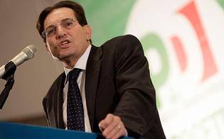 http://www.seguonews.it/crocetta-uomo-solo-al-comando-il-pd-ritira-la-maggioranza-e-crisi