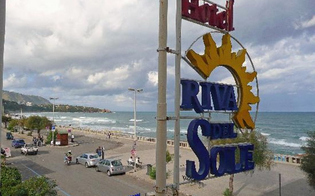 http://www.seguonews.it/cefalu-giornalista-e-fidanzato-scappano-dopo-vacanza-in-hotel