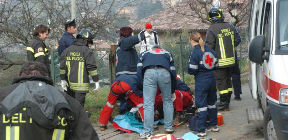 San Cataldo, ara la terra e cade dalla motozappa: muore anziano agricoltore