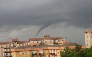http://www.seguonews.it/tromba-daria-a-caltanissetta-breve-temporale-ma-nessun-danno