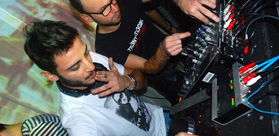 Tr3ntaTr3Giri stasera al Corona Wine Bar, il duo Lantieri-Zappia per i cultori dell'house music