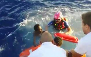 http://www.seguonews.it/lampedusa-si-rovescia-barcone-con-250-migranti-avvistate-vittime