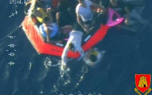 http://www.seguonews.it/si-rovescia-un-barcone-con-250-migranti-50-morti-10-i-bambini