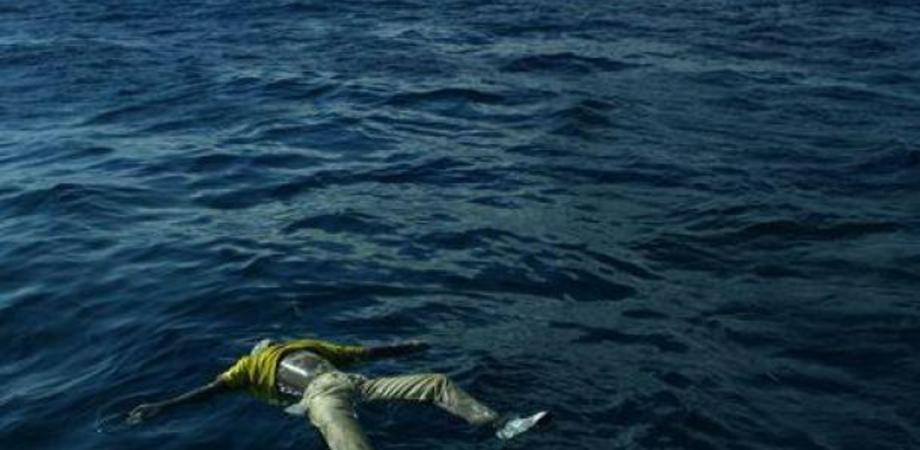 Strage migranti: soccorritori, gente moriva e qualcuno riprendeva