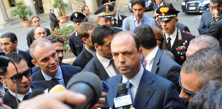 """Il ministro Alfano a Caltanissetta: """"Questa è la capitale della ribellione antimafia, lo Stato è più forte dell'antistato"""""""