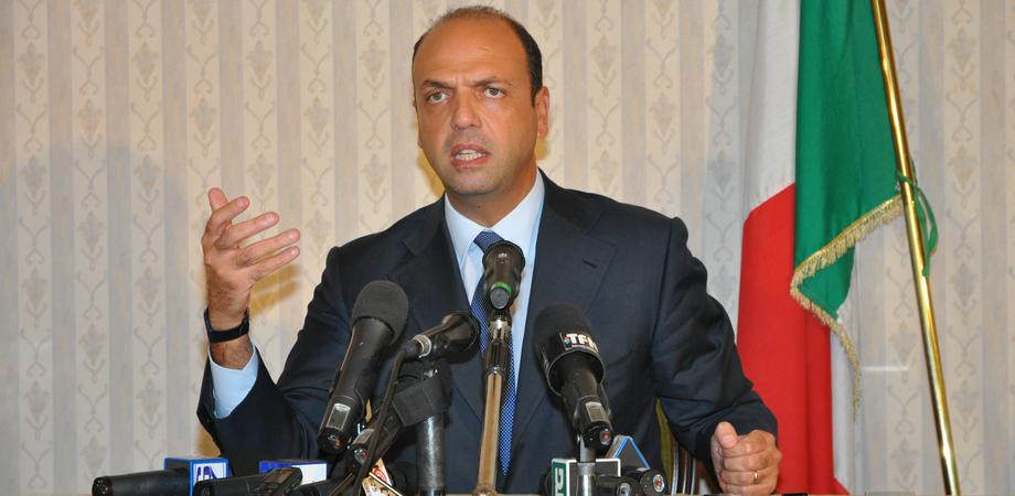 """Il ministro Alfano: """"Evitare delegittimazioni, altrimenti ti isolano e poi ti ammazzano"""" LE FOTO"""