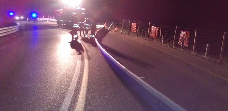 Caltanissetta: camion di piantine vola dal viadotto, ferito l'autista