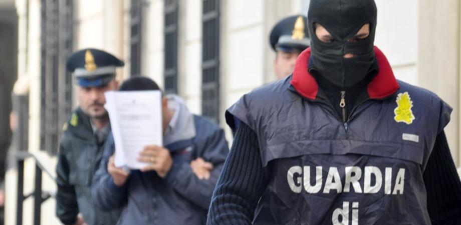 Gela, associazione a delinquere finalizzata all'indebita compensazione dei crediti d'imposta: 6 arresti