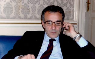 http://www.seguonews.it/lintimidazione-allex-cantina-pd-solidale-sindaco-riesi-tuo-impegno-prosegua